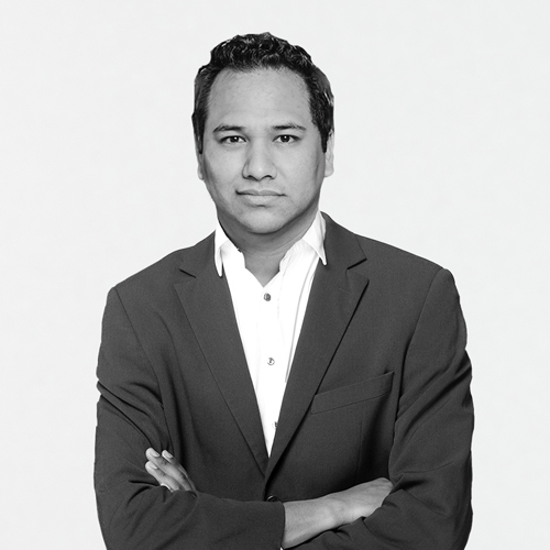 Ivan Zamora Headshot